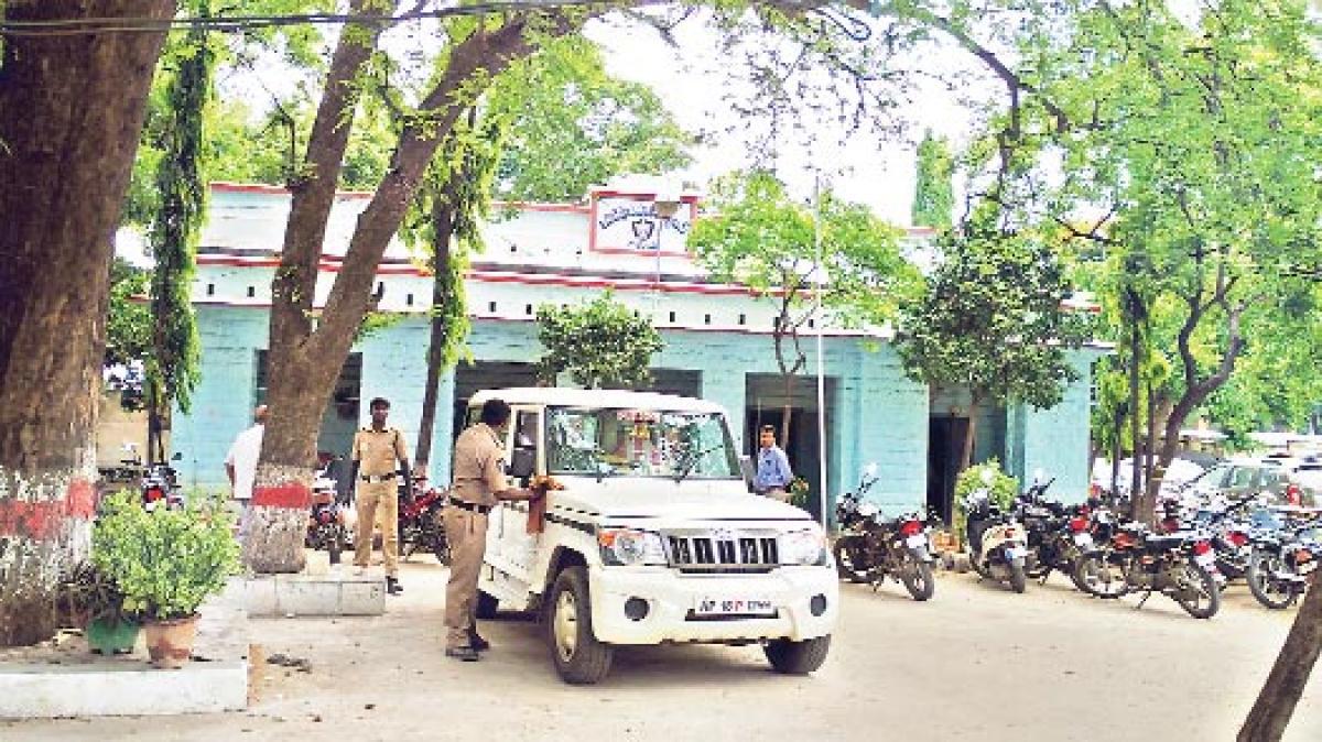 Civic body's demolition diktat irks police