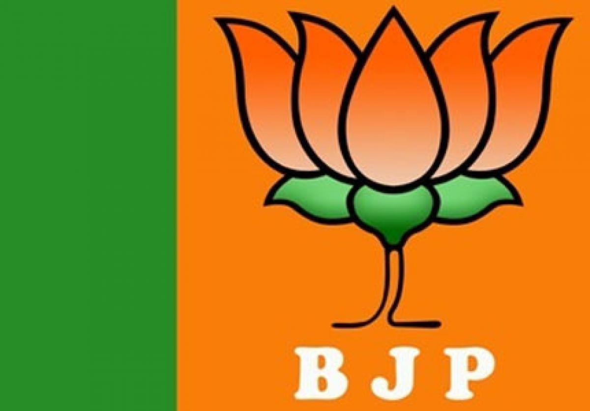 BJP welcomes Modi-Sharif meeting, Congress terms it ridiculous