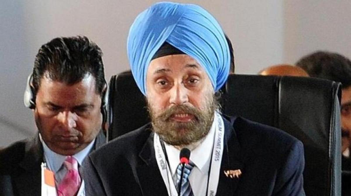 Indias envoy to US Sarna meets Trump in Oval Office
