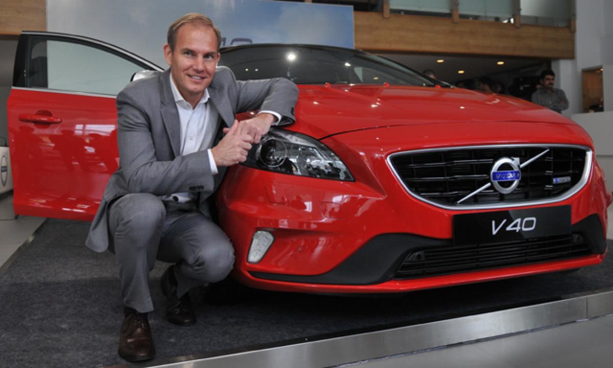 Volvo drives V40 luxury car into India