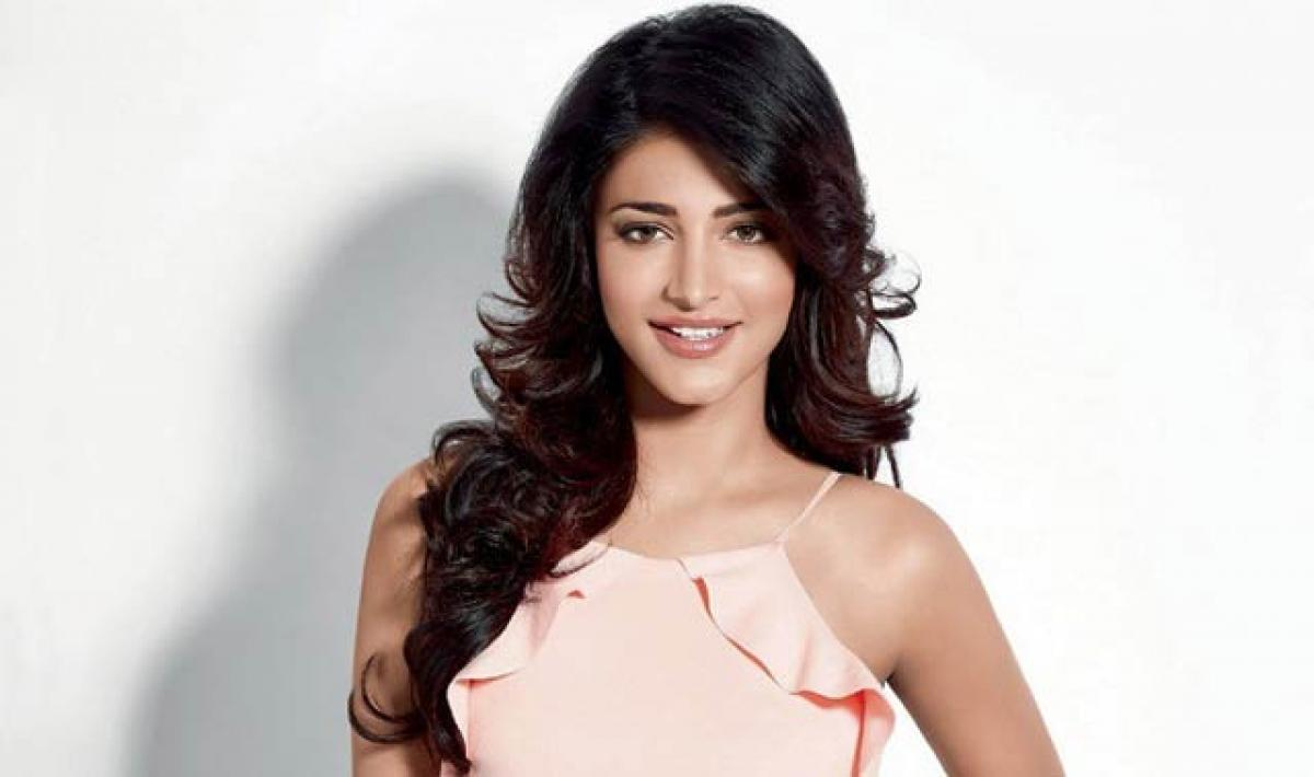 Shruti stuns filmmakers with her dance moves