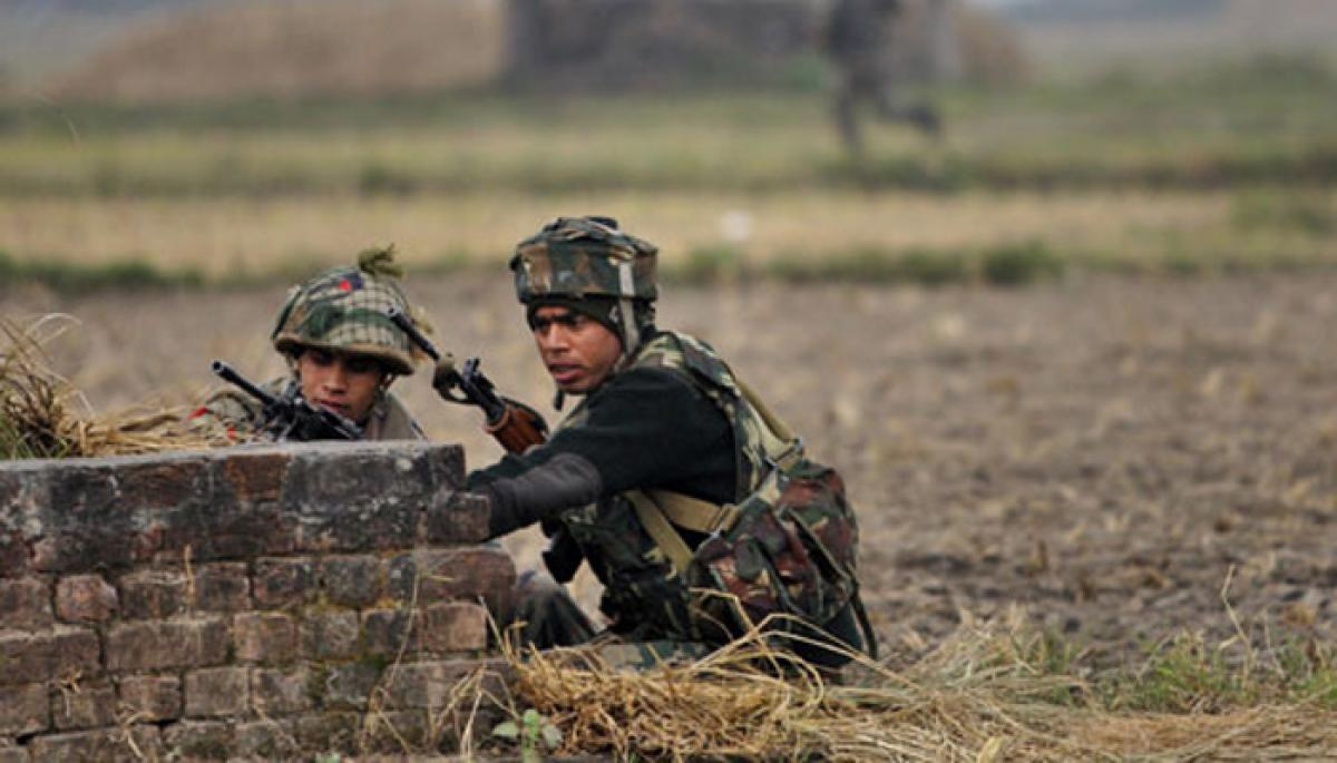 2 militants in Kashmir gunfight