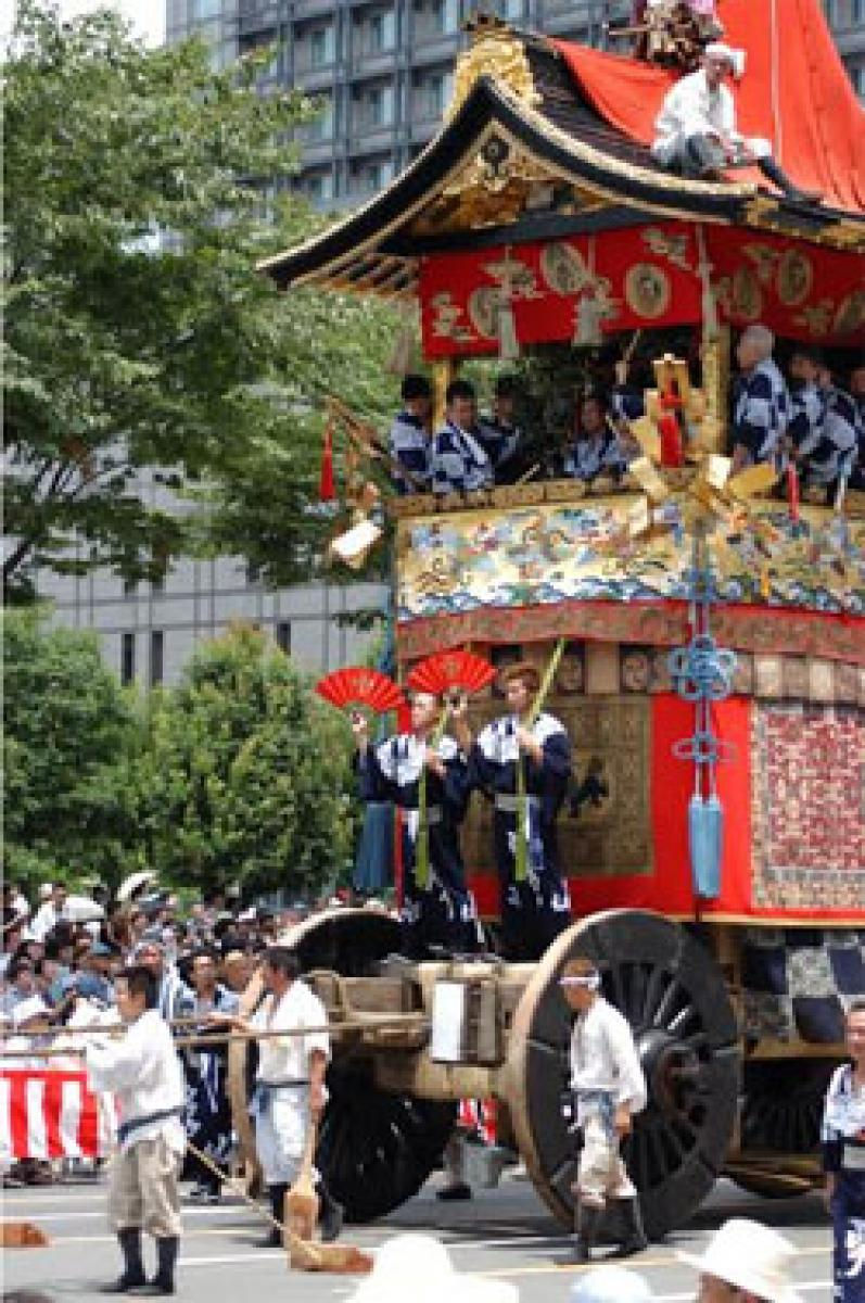 Gorgeous floats, sometimes called mobile art museums,parade down the main streets of Kyoto