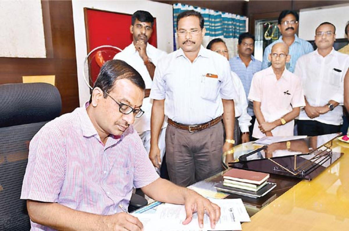 Naik takes charge as EPDCL CMD