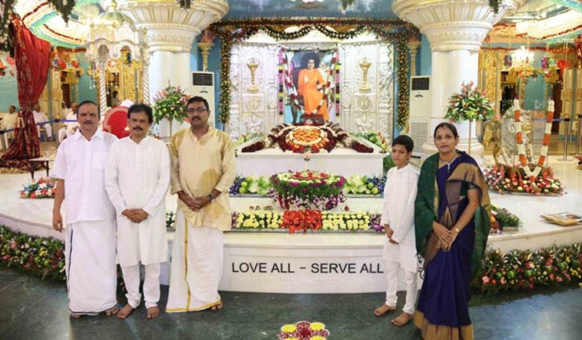 Photos: Sri Sathya Sai Aradhana Mahothsavam at Prashanthi Nilayam