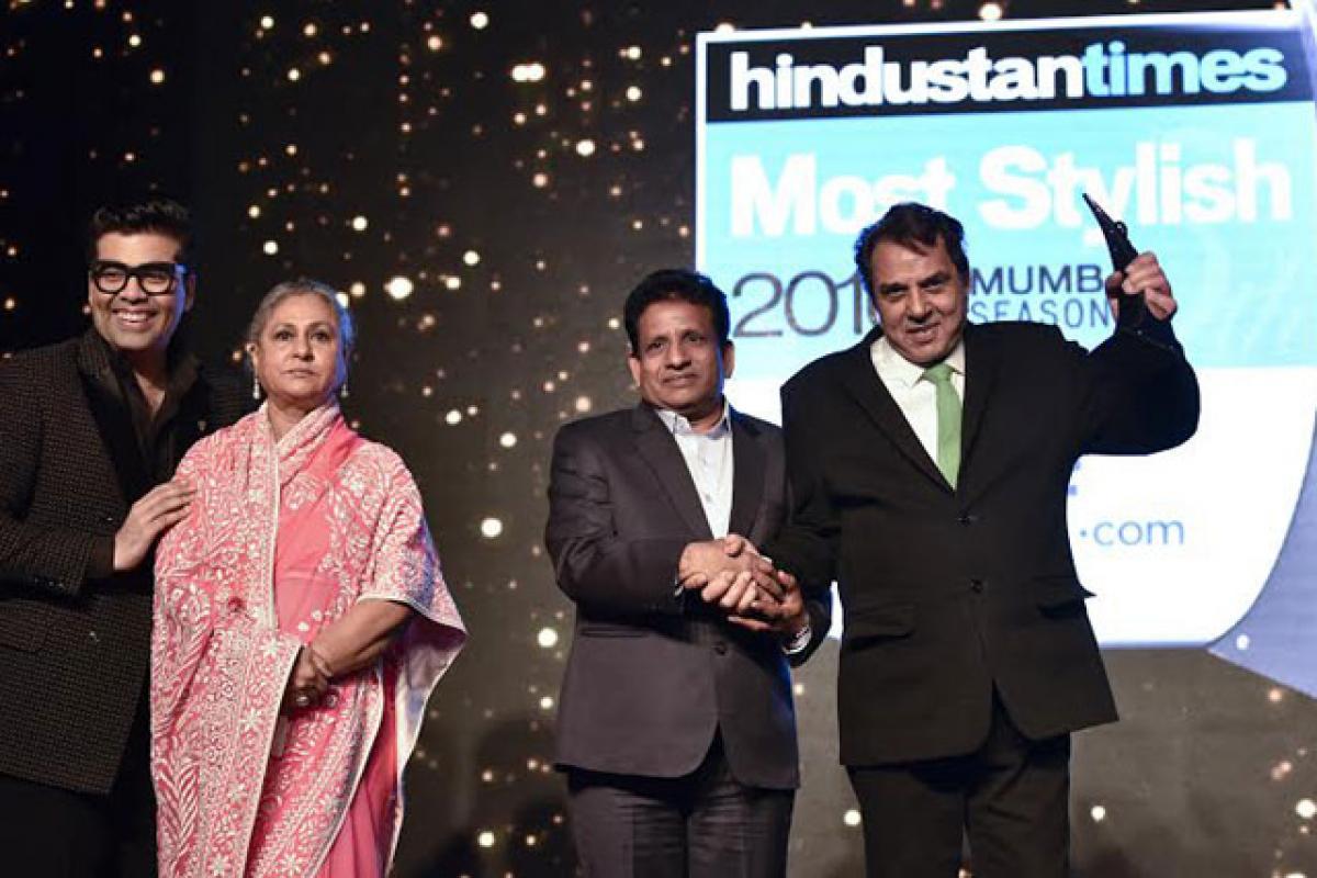 KJo Jaya Bachchan present Most Stylish Lifetime Style Icon award to Dharmendra