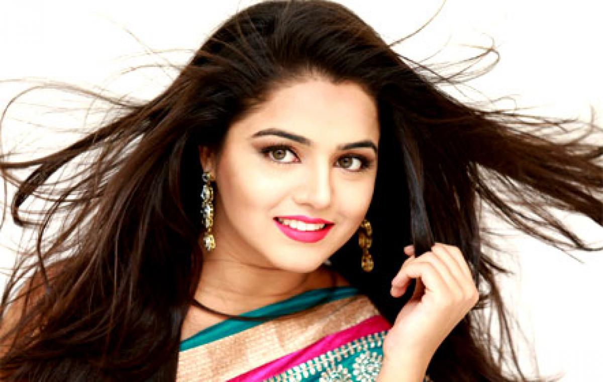 Couldnt have asked for better debut: Wamiqa on Maalai Nerathua