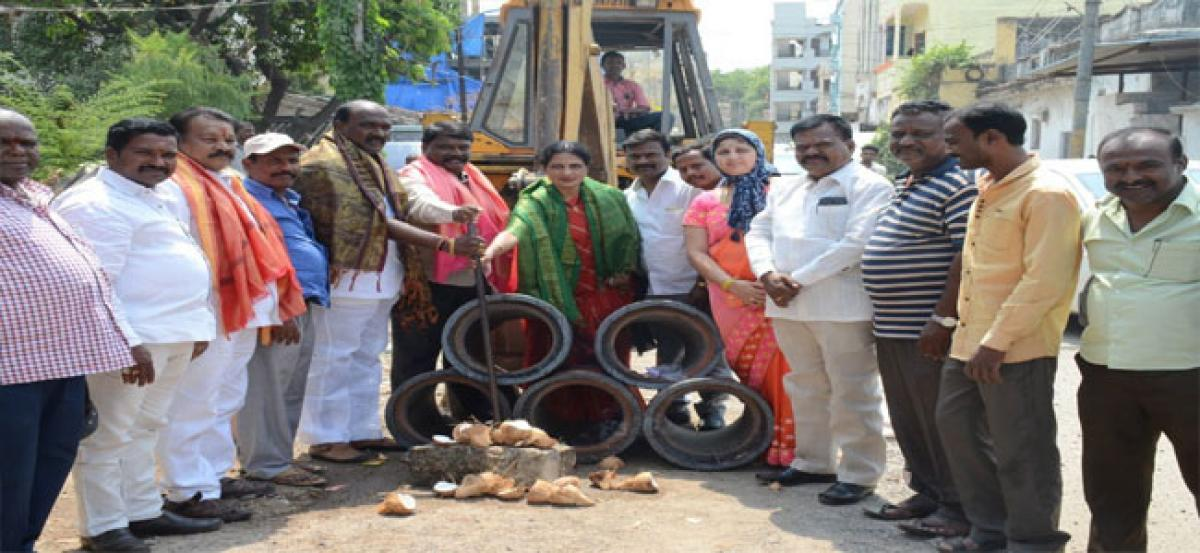 Anitha launches drainage works near Gandhi statue