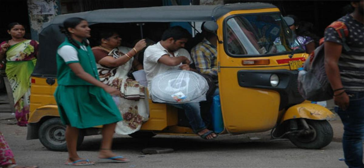 Autos carry extra passengers illegally to make fast bucks