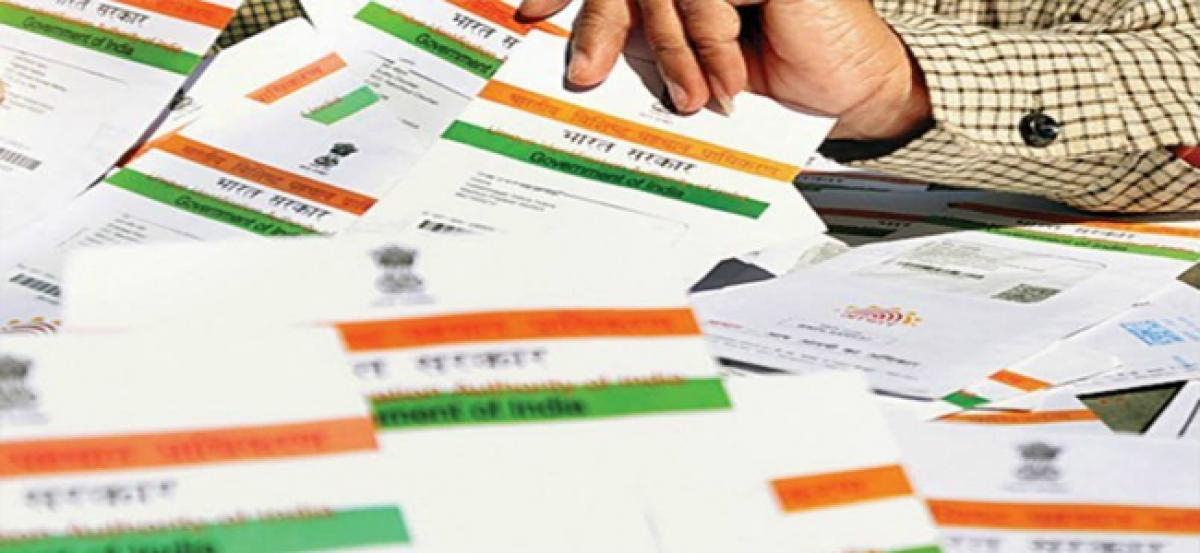 Fake Aadhaar card racket busted in Delhi, rubber stam, 461 cards recovered