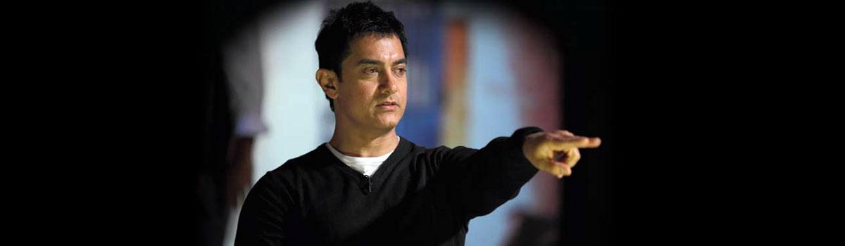 Aamir Khan Tenders an Apology