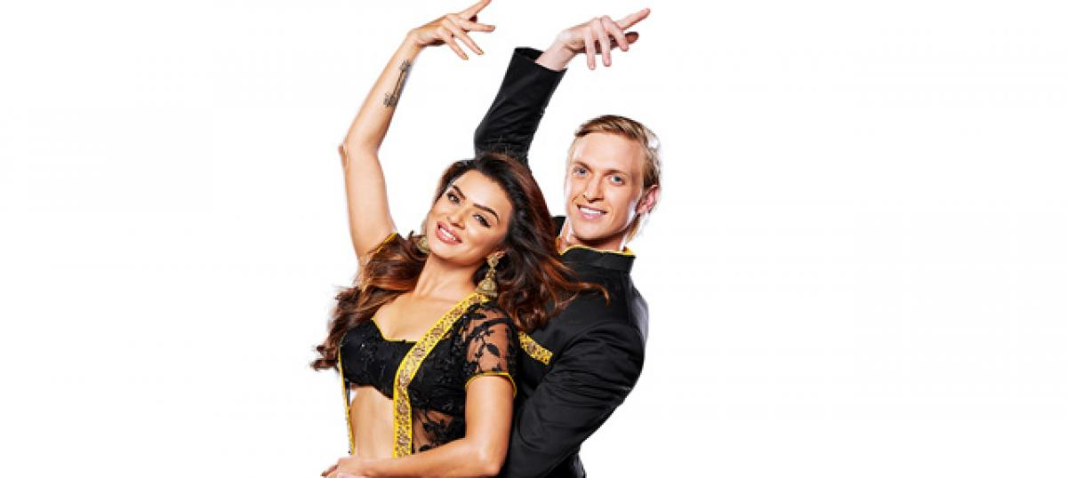 Aashka Goradia and Brent to tie the knot in Ahmedabad