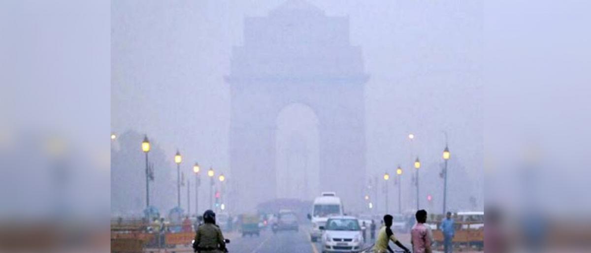Delhi's Air Quality : Oscillating between 'poor' and 'very poor'