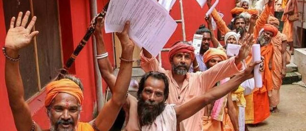 Amarnath pilgrimage begins with 3k devotees