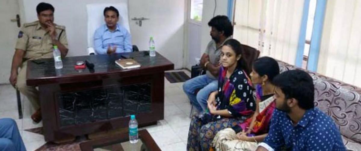 Amrutha demands speedy trial of case