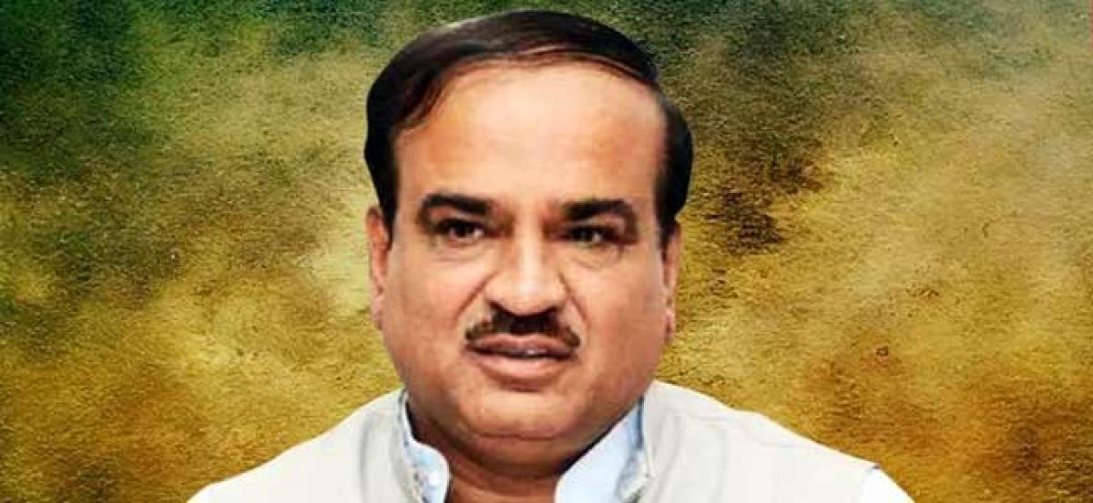 Mortal remains of Ananth Kumar consigned to flames