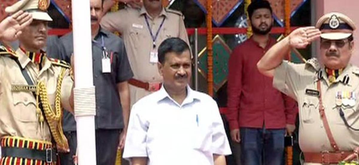 Delhi CM sings