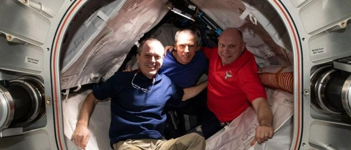 3 astronauts land safely on Earth after six months in space