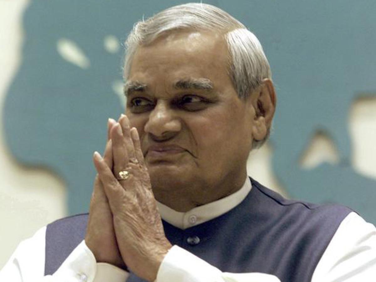 Vajpayee in AIIMS: Politicians make beeline to hospital