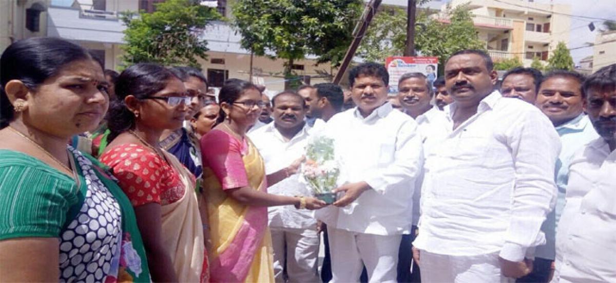 MLA assures Mahila Bhavan at Kalyan Nagar