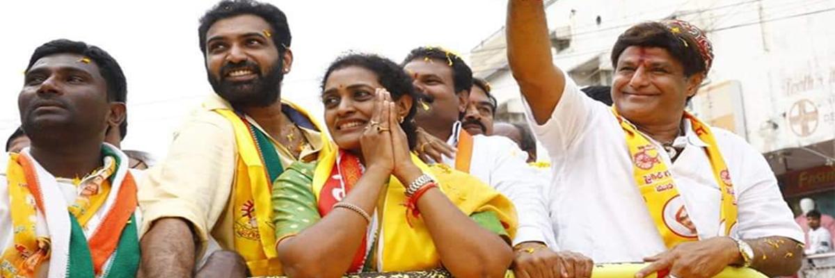 Balayya, Naidu should focus on AP