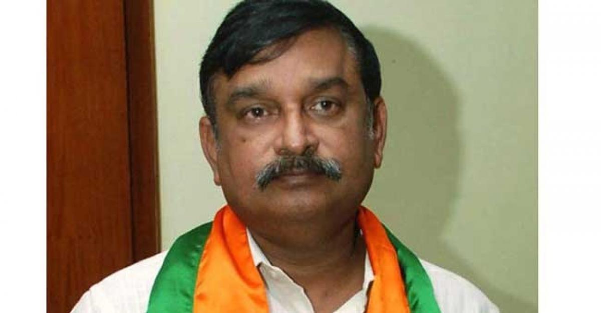 Shocking ! BJP Leader Supports Naidus Resolution Against NDA Govt