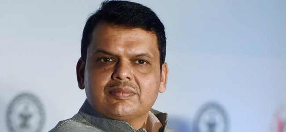 Maratha reservation: Opposition to move privilege motion against CM Fadnavis, Commission