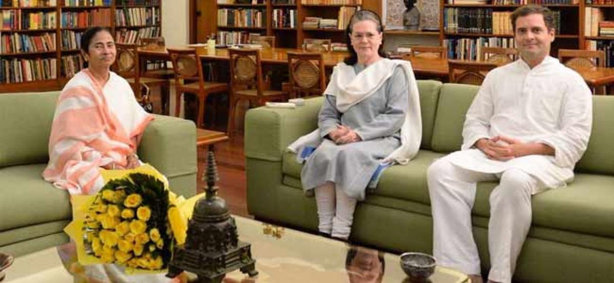 Didi in Delhi: Mamata Banerje meets Sonia and Rahul Gandhi at 10 Janpath, says first priority to remove BJP