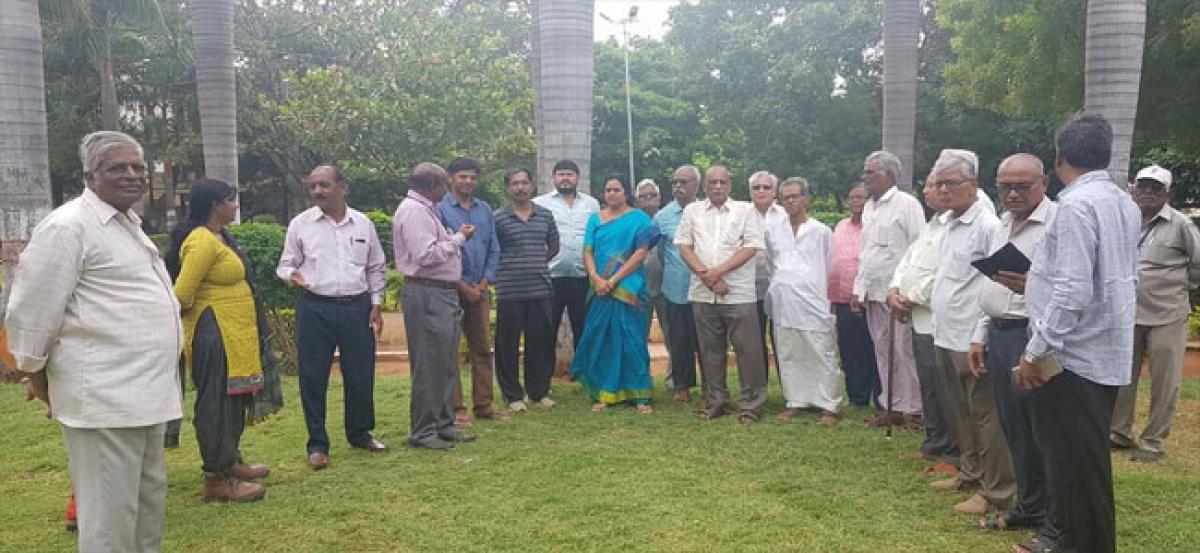 Lakshmi Prasanna assures beautification of parks
