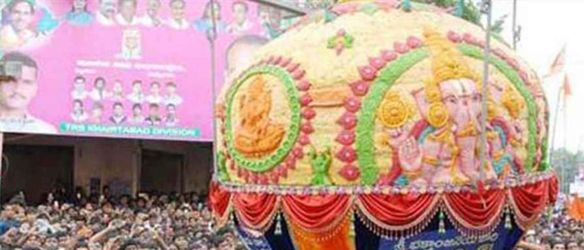 Balapur laddu fetches 16.6 lakh