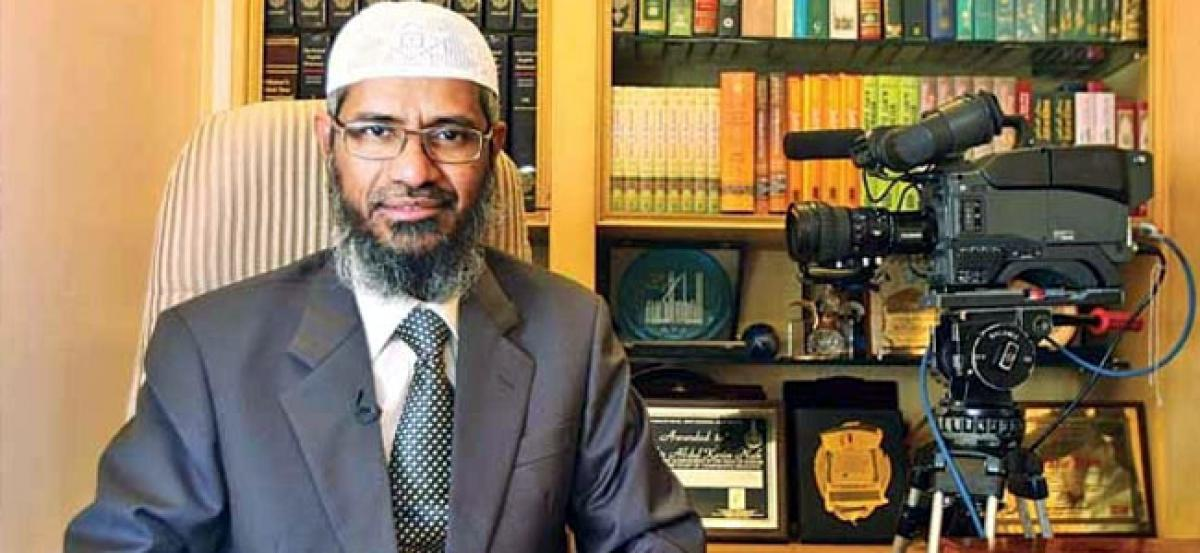 Zakir Naik thanks Malaysian PM for not deporting him; vows not to break laws