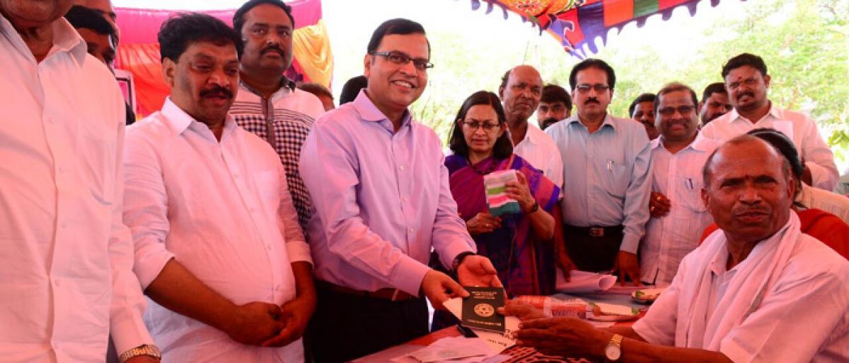 Top official praises Rythu Bandhu as unique scheme