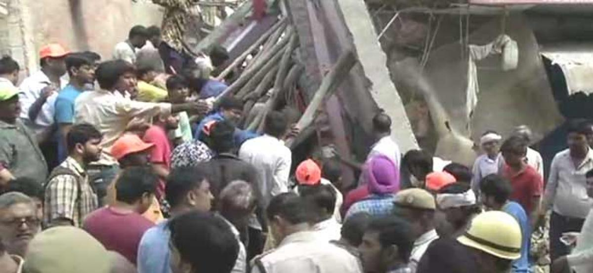 Five people including 4 children killed in building collapse in Delhi