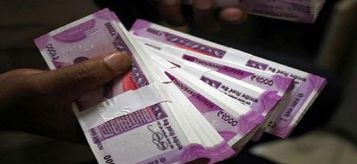 Wheres the money, RBI? Data shows Indias old habits die hard