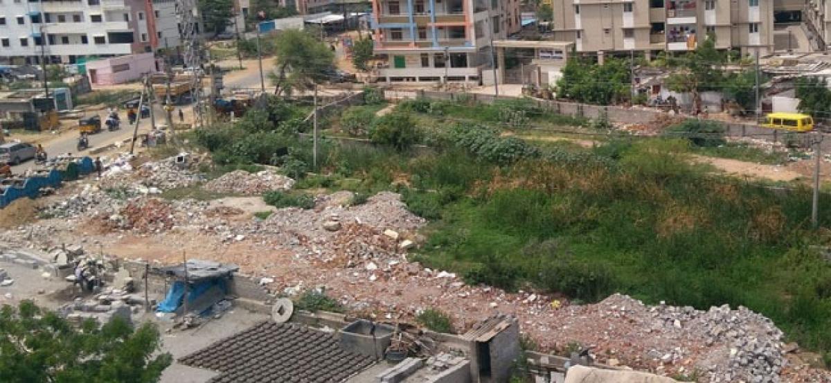 Chandanagar nalas turning illegal dump yard for construction debris