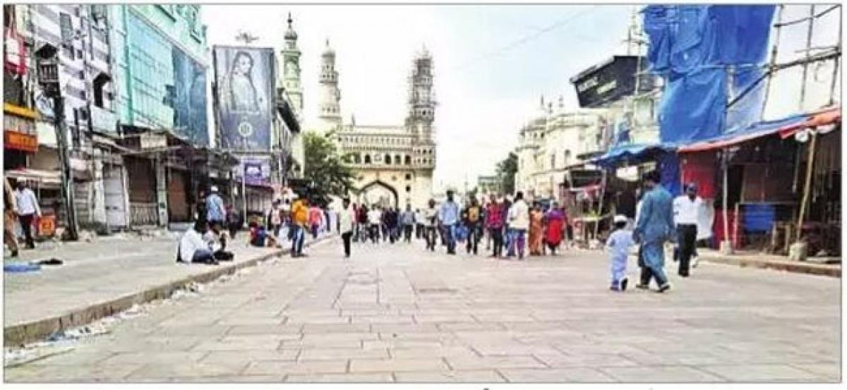 Charminar streets fizzle out after Eid fervour