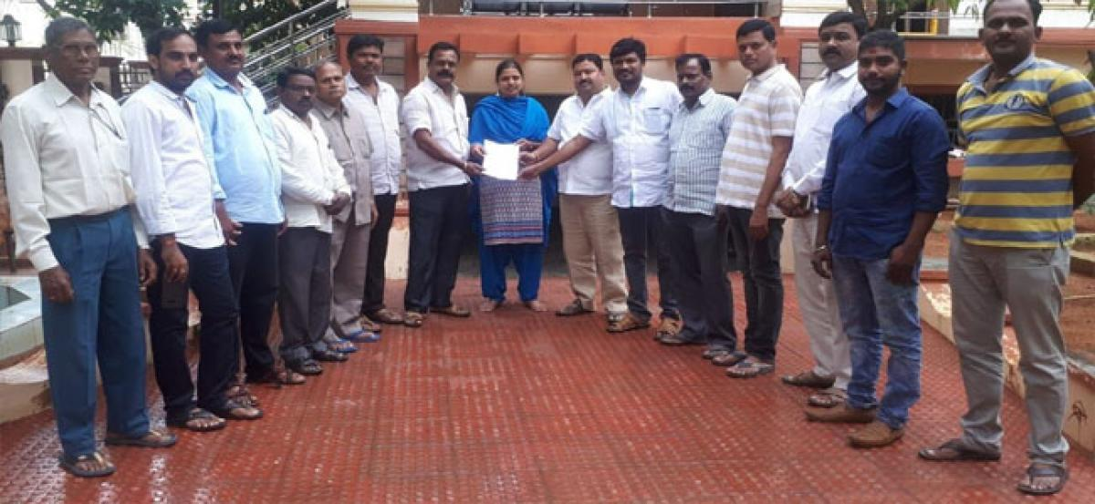 Navatha assures residents to address civic issues