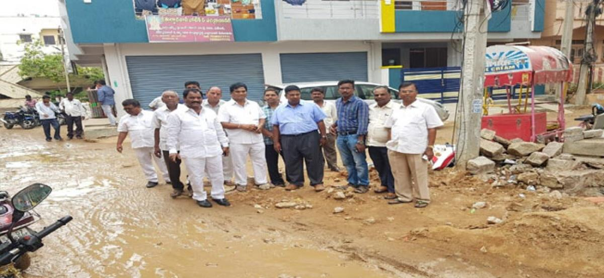 Corporator, GHMC officials tour Taranagar