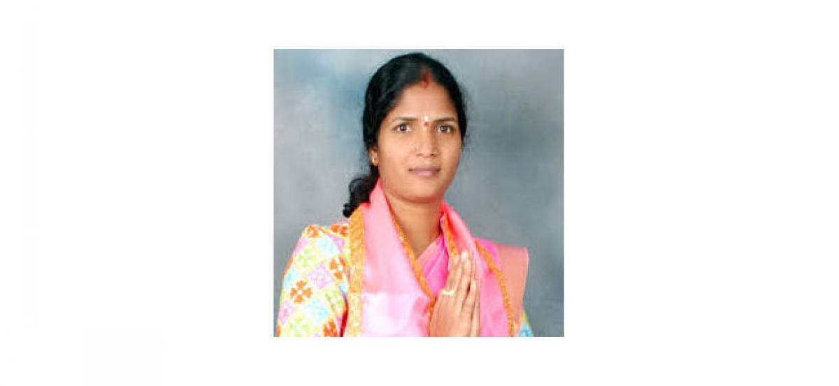 Corporator Alakunta to distribute clothes today
