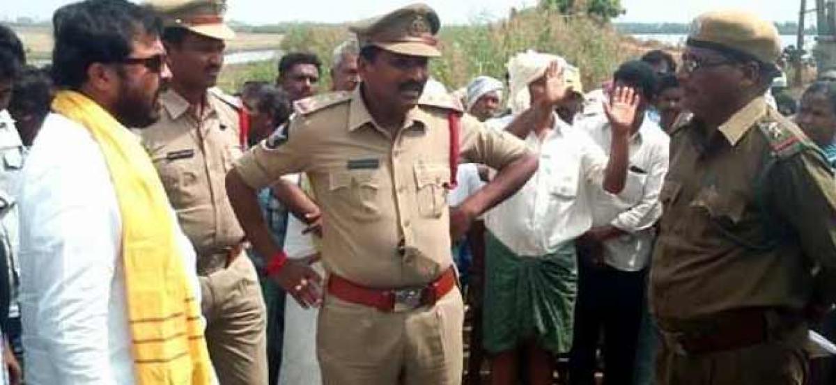 Chintamaneni Goes Berserk With Vigilance Officials