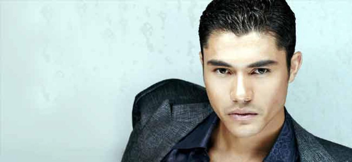 Henry Golding to star in Paul Feigs A Simple Favor