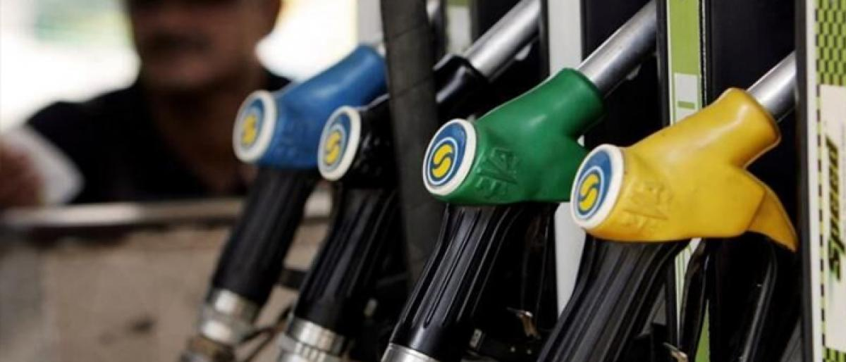 Fuel prices continue to fall as crude rates ease