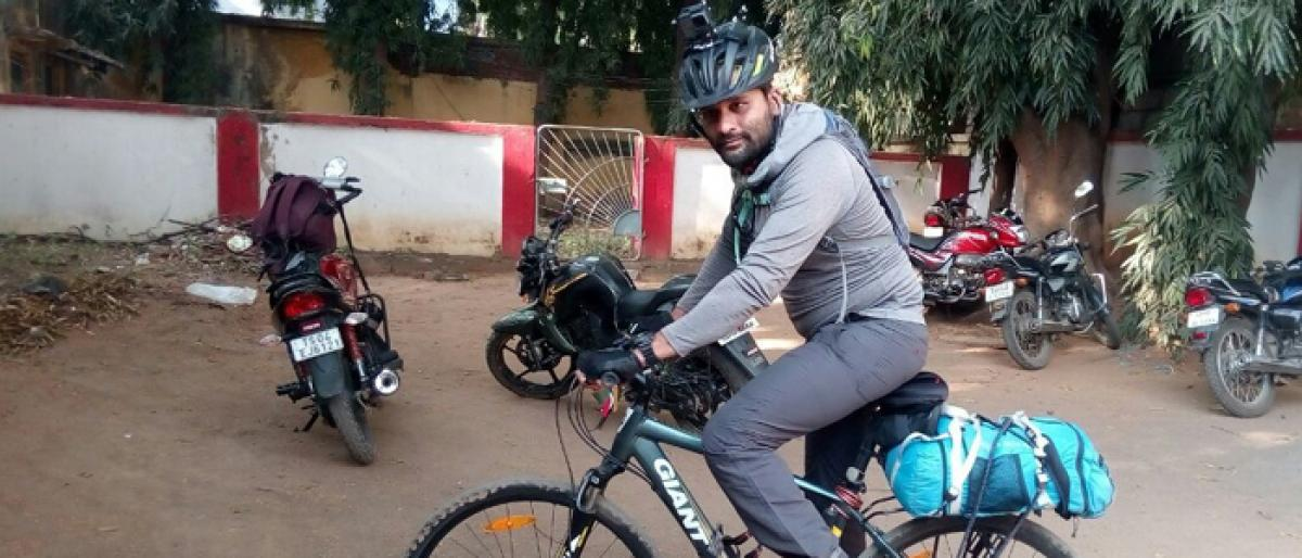 Bicycle trip against pollution reached Bhadrachalam