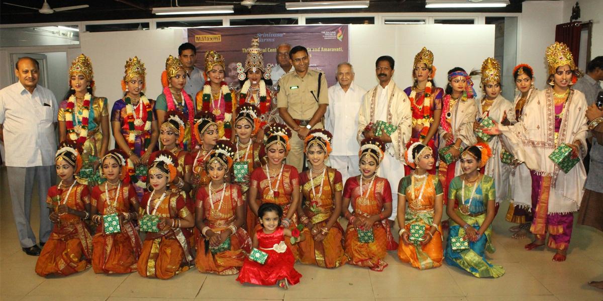 Pavan Kumar's dance mesmerises audience in Vijayawada