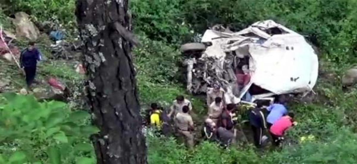 13 killed, 2 injured as vehicle falls into gorge in Uttarakhand