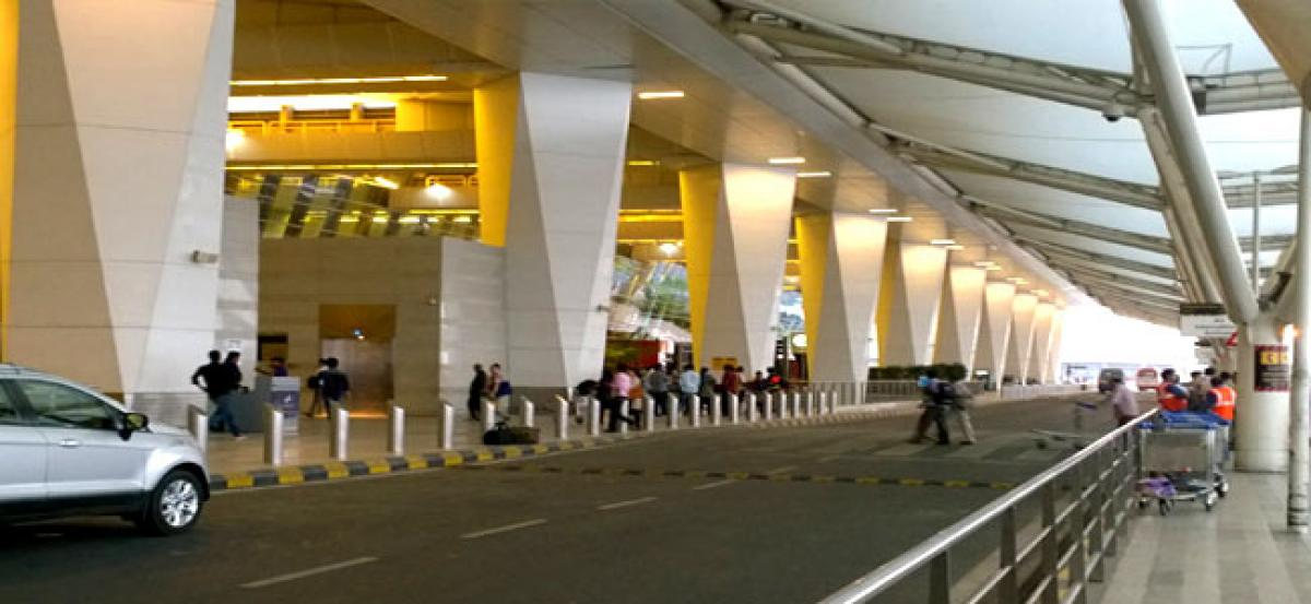 Delhi airport woes: Separate counters for business/first class may reduce T-3 immigration lines