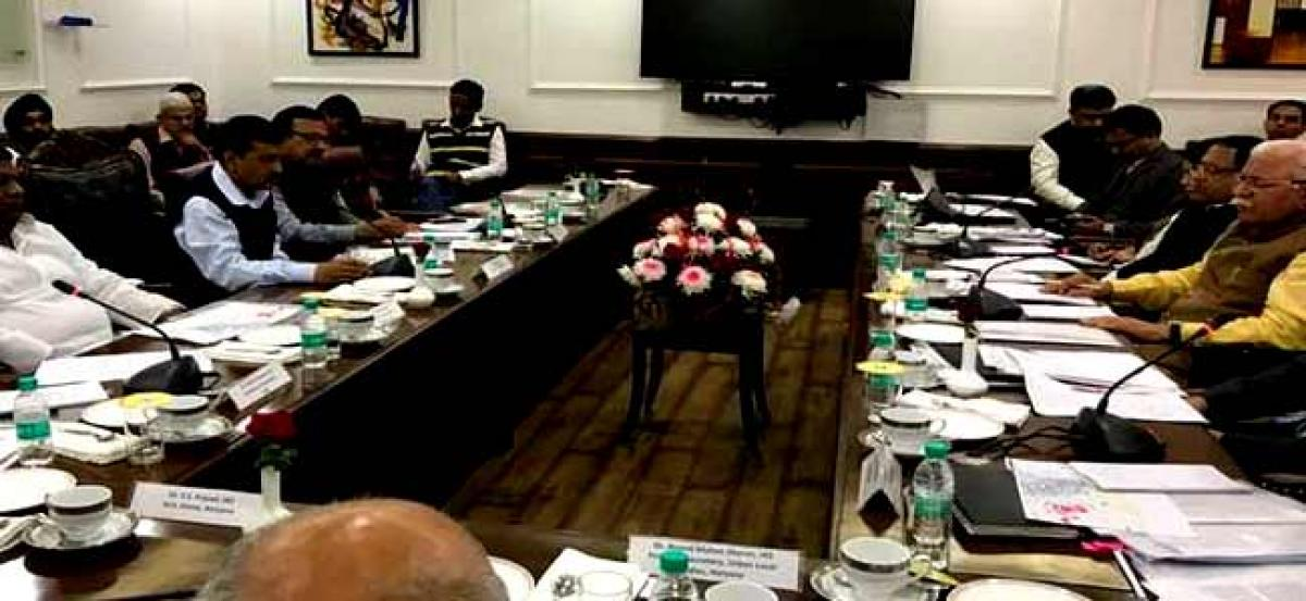Kejriwal and Khattar finally meet, resolve to put in