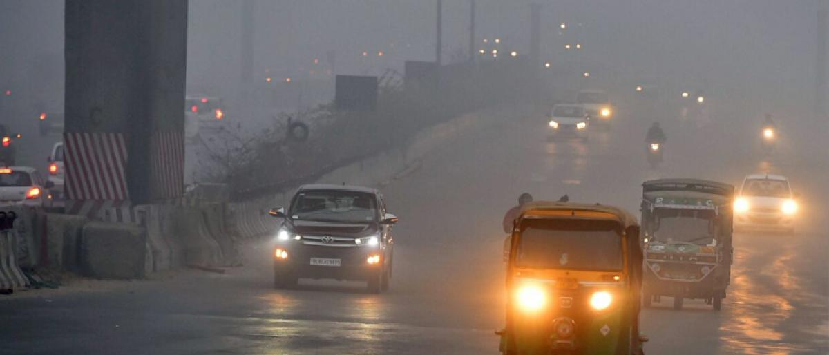 Dense fog plays spoilsport in Delhi