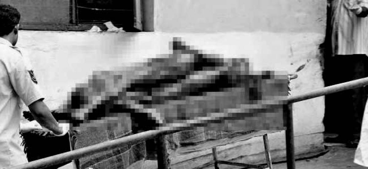 Doctor Demands Bribe To Conduct Postmortem In AP Govt Hospital