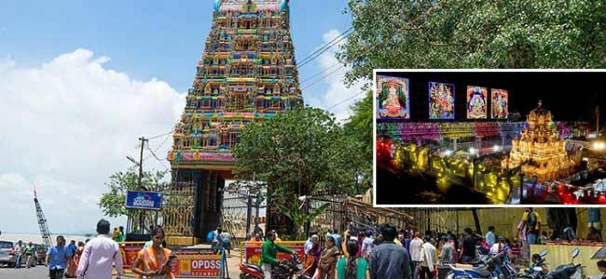 Devotees Face Plights At Durga Temple On Navaratri Eve